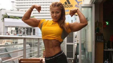 48 évesen még aktívan versenyez a testépítő nő – fotó
