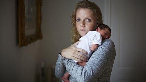 Csodaszép fotók: anyák egynapos babáikkal