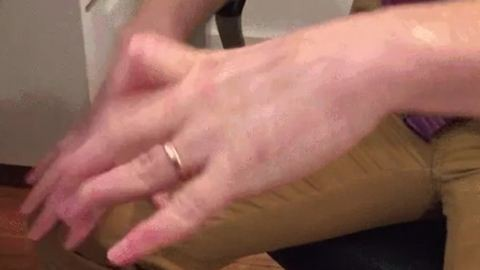 Bizarr dologra képes a kezével ez a férfi – videó