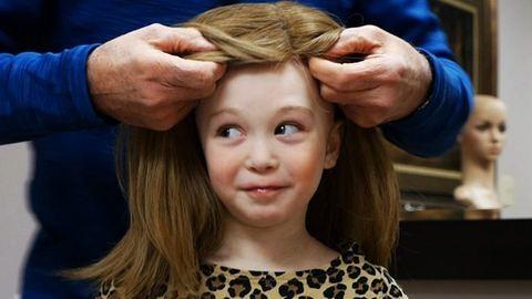 Megható videó: így jut el az adományozott haj a rászorulókhoz