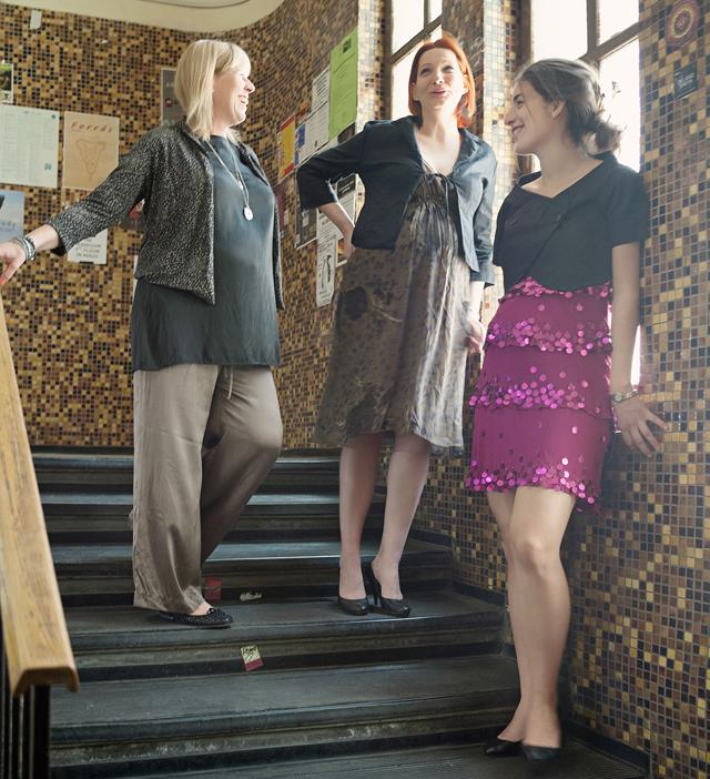 Barna-zöld mintás M&S ruha, Phase Eight fekete kabátka, barna M&S selyem pizsamanadrág, fekete Wallis selyemtunika, M&S állatmintás kabátka, flitteres Warehouse ruha, Patricia Pepe kabátka - Háda