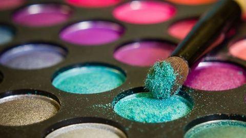 Hitted volna? 168-féle veszélyes anyagot kensz a bőrödre naponta