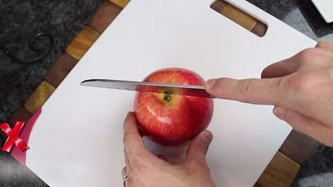 Mostanáig rosszul szeletelted az almát – videó