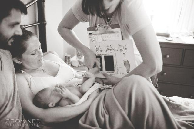 Csodálatos fotók szülésznőkről, akik a hivatásuknak élnek