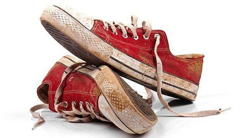 Hogyan kell cipőt mosni mosógépben?