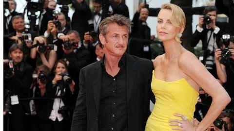 Cannes: Ilyen szerelmesnek nem láttad még Charlize Theront