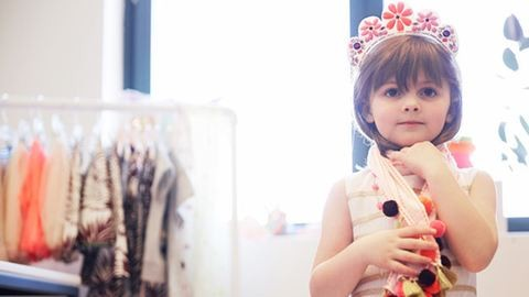 5 éves kislány tervezett ruhakollekciót a híres márkának – fotók