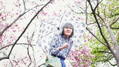 42 évesen kipróbálta, milyen idős nőnek lenni – fotók