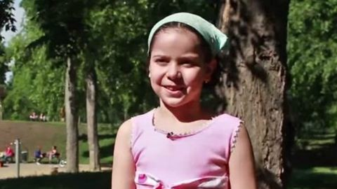Cuki videóban mondják el a kicsik, milyen a tökéletes gyereknap