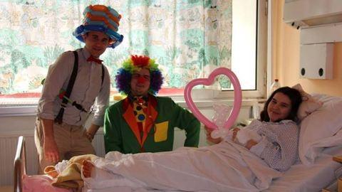Törvényt hoztak a gyermekkórházakban segítő bohócok alkalmazásáról
