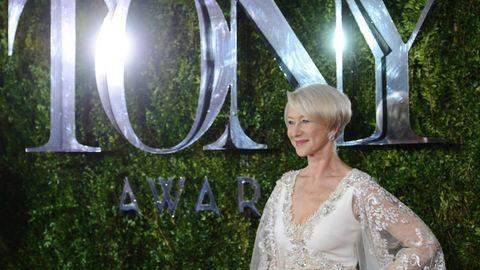 A 69 éves Helen Mirren bombázó volt a Tony-díjátadón