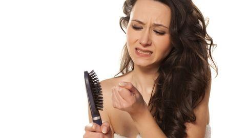 Mit tehetsz, ha szülés után hullik a hajad?