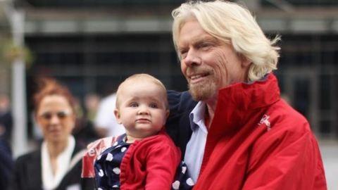 Egy év fizetett szabadság jár az újdonsült szülőknek