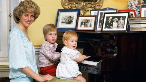 33 fotó, amit a ma 33 éves Vilmos herceg is feltenne a falra