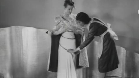 Ilyennek képzelték a jövő divatját a múltban – videó