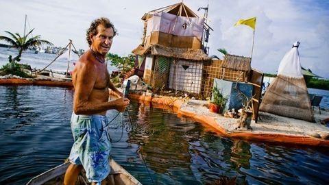 Szemétből épült szigeten él – fotók