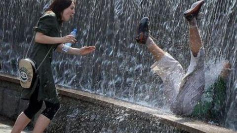 8 szökőkutas gif, ami a hőségben megcsinálja a napodat