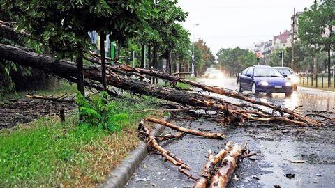 A szerdai vihar képekben – jelentős károk országszerte