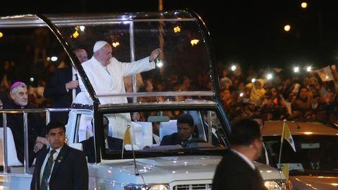 Ferenc pápa kokacserjét fogyasztott