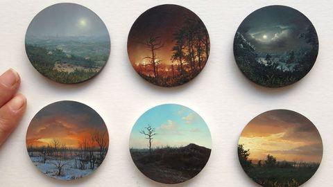 Elképesztő miniatűr festményeket készít egy művész – képek