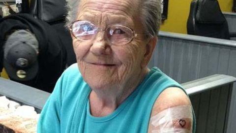 Egy tetoválószalonban találták meg az öregek otthonából eltűnt nagyit
