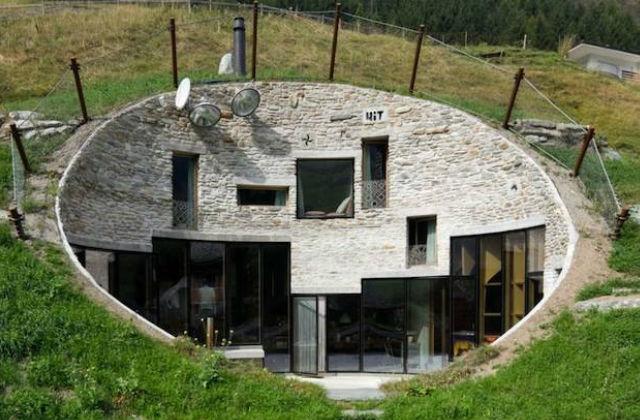 Egy igazi hobbit-földönkívüli ház.