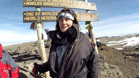 Megmászta a Kilimandzsárót a 85 éves dédi