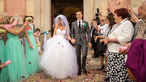 10 szerelmes fotó a friss házas Cseh Laciról és feleségéről
