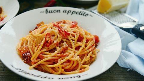 Így készül a tökéletes olasz tészta, az amatriciana spagetti