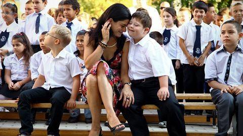 Nézzétek meg a Down-szindrómás kisfiú, Nándi első napját az iskolában!