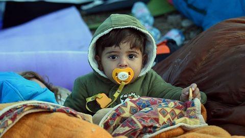 Röszke: ilyen körülmények között várakoznak a menekültek – fotók