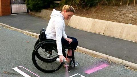 Magának festette fel a mozgáskorlátozott parkolóhelyet az anya