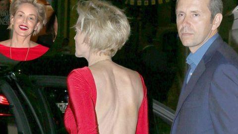 Extrém kivágott ruhában mutatjuk az 57 éves Sharon Stone-t – fotók