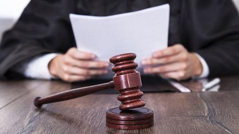 Felfüggesztett börtönt kapott a tinit molesztáló kalauz