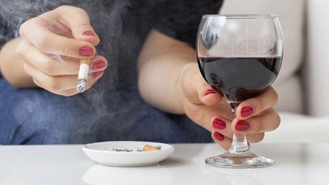 Az európaiak isznak és dohányoznak a legtöbbet a világon