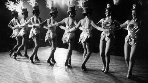 126 éve nyitott meg a párizsi Moulin Rouge – fotók