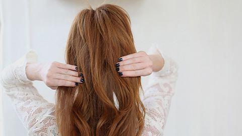 Készíts hajnövesztő frizurát! – lépésről lépésre
