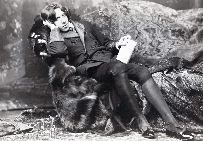 A fiúk szeretetéért börtönbe zárt költő – Oscar Wilde igaz szerelme