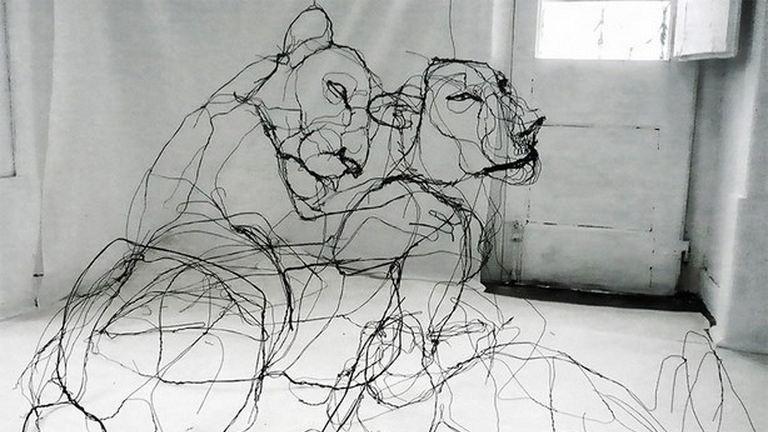 Drótből készült állatszobrok, pont mintha filctollrajzok lennének