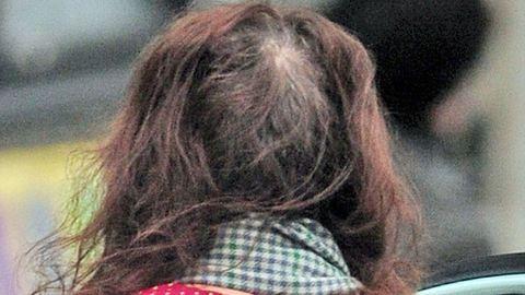 Kopaszodik Helena Bonham Carter, és bátran mutogatja is – fotók