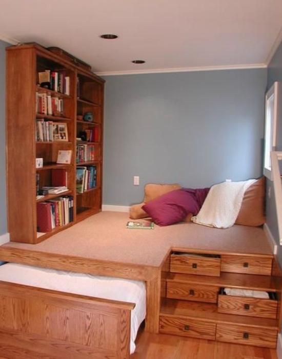 nemcsak hangulatos alvóhely, de kuckózásra is alkalmas. A beépített fiókokba pedig sok minden elfér.