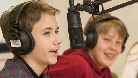 Bűvösvölgy:  Ez itt a Józsi FM!
