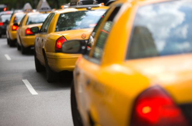 Egyre kevesebb a taxi Budapesten, pedig egyre többen használnák