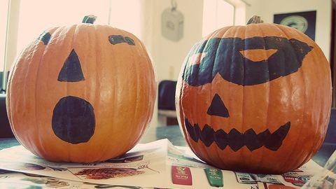 Hogyan kell tököt festeni halloweenre?
