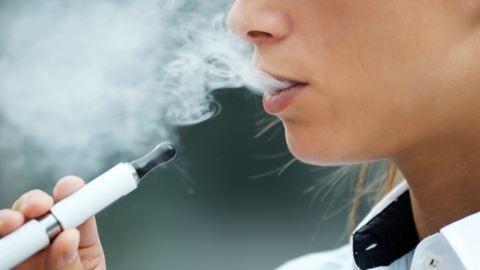 Kiderült: az e-cigi súlyosan károsítja az egészséget