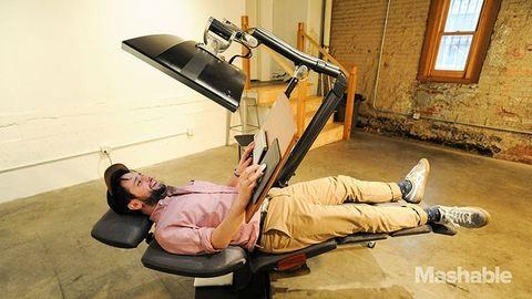 Ennél az íróasztalnál fekve is dolgozhatsz!