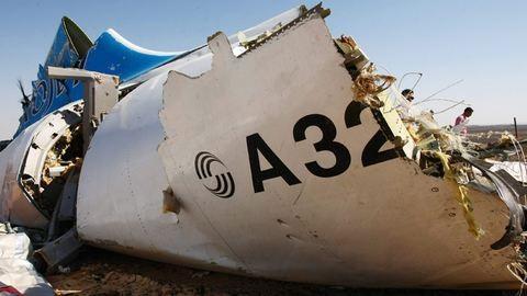 Lezuhant repülőgép: pokolgép robbanhatott a fedélzeten