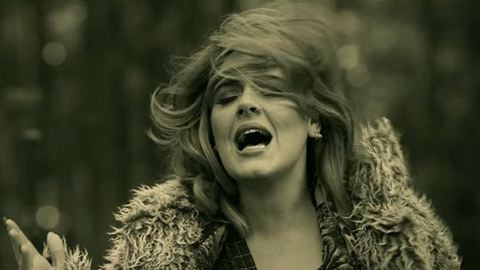Ilyen hatással van a nőkre Adele Hellója