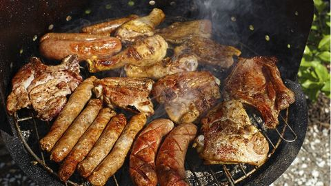 Újabb sokkoló hír: a grillezett húsok veserákot okozhatnak