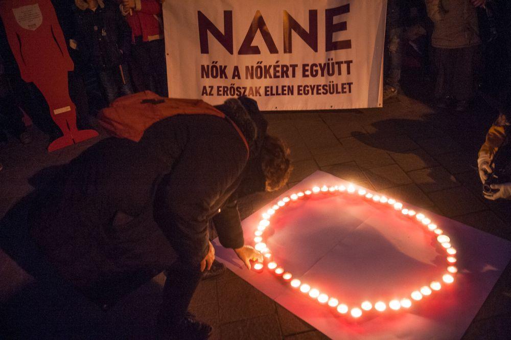 A magyar nők kilenc százaléka ellen követtek el szexuális erőszakot 15 éves kora óta, miközben a szexuális erőszakkal kapcsolatos esetekben alig pár száz büntetőeljárás folyik évente.